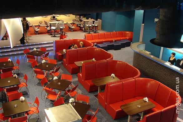 Мягкую мебель для кафе и баров